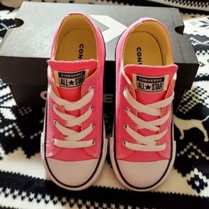 Converse Sneakers toddler size 10 New in box
